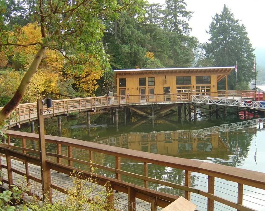 Jezero restaurant